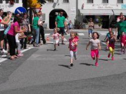 Tek po ulicah Kobarida za najmlajše in športne dejavnosti najstarejših učencev